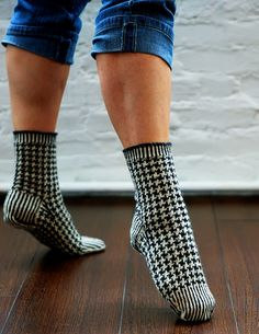"""Gorgeous houndstooth socks by Kate Atherley, from """"Beyond Knit & Purl"""""""