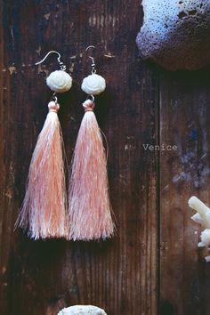 Orecchini lunghi nappina rosa/orecchini pendenti/orecchini rosa/gioielli…