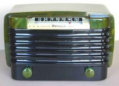 BENDIX CATALIN Model 526C Art Deco Radio (1946) door RadioAge op Etsy https://www.etsy.com/nl/listing/84061261/bendix-catalin-model-526c-art-deco-radio