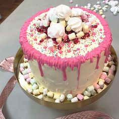 Rezept: Dripping-Cake mit Äpfeln - Sweet & Easy - Enie backt - sixx