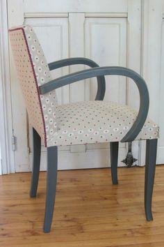 changer le tissu d'une chaise tapissier décorateur à Brest