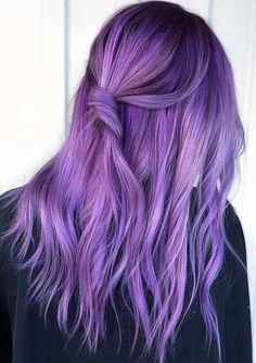 Amazing Purple Hair Color Ideas for Every Woman in 2019 Just see here and find our latest trends of purple hair colors for every woman to show off in this year. Just see here and try this awesome purple hair color on all the functions and parties for Light Purple Hair, Hair Color Purple, Light Hair, Purple Style, Deep Purple, Short Purple Hair, Violet Hair Colors, Light Ombre, Cute Hair Colors