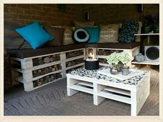 Store wood in pallets