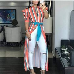 Cómo combinar la blusa con cola que esta arrasando - El Cómo de las Cosas Casual Dresses, Casual Outfits, Fashion Outfits, Womens Fashion, Kurti With Jeans, Designs For Dresses, Kimono Jacket, Girls Jeans, Trending Outfits