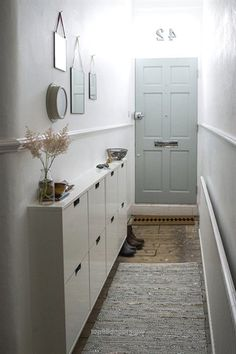 Splendid Decorating Small Spaces: 7 Bold Design Elements to Try in Your Hallways | Apartment Therapy  The post  Decorating Small Spaces: 7 Bold Design Elements to Try in Your Hallways | Apartm…  appeared first on  Home Decor .