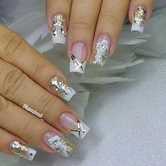 Beauty Tips & Tricks Romantic Nails, Image Nails, Silver Glitter Nails, Bridal Nail Art, Jelly Nails, Studded Nails, Nail Polish Art, Stylish Nails, Wedding Nails