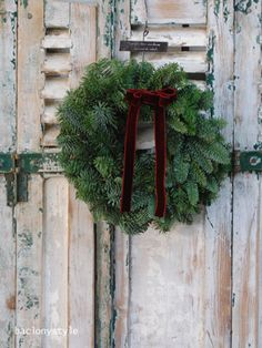 玄関扉からクリスマス仕様に♪クリスマスリース6選