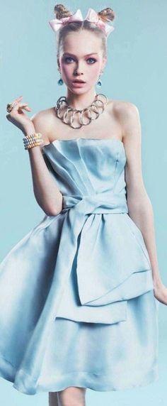 Quirky Fashion, Blue Fashion, High Fashion, Feminine Fashion, Fashion Spring, Women's Fashion, Fashion Design, Style Bleu, Color Celeste