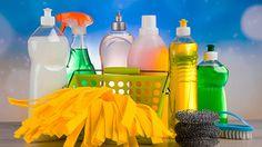 洗面所やお風呂場など、水廻りにある鏡。あなたはどうやって掃除していますか?お風呂場や洗面所の鏡は水垢などウロコ状の汚れが付きやすく、手入れをしないとすぐに汚れてしまいます。汚れた鏡をそのままにしておけば、やがて汚れが溜まり過ぎて使い物にな