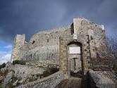 Castel San Pietro Romano: caratteristica degna di nota di questo piccolo borgo arroccato sono le antichissime mura ciclopiche, di origine pre-romana, presenti in una parte del centro antico.