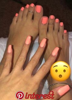 Semi-permanent varnish, false nails, patches: which manicure to choose? - My Nails Pretty Toe Nails, Cute Toe Nails, Pretty Toes, Pink Toe Nails, Coral Nails, Pink Toes, Acrylic Toes, Cute Acrylic Nails, Painted Toe Nails
