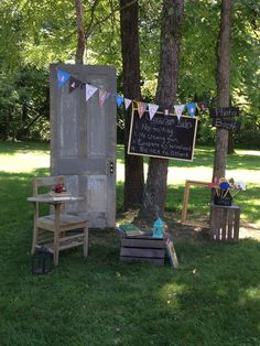 Nature is the backdrop here.  What classroom rules could you live without?  Back to School party Photo Booth