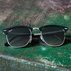 9872ea7083895 True icons stand alone    The Clubmaster Metal always makes a statement  Luxury Sunglasses
