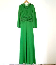 This gown is breathtaking green long evening 70's red carpet knit formal vintage dress