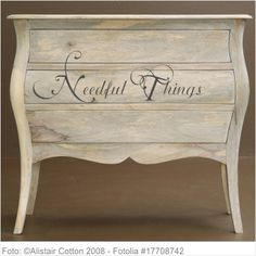 Möbeltattoo - Needful Things 02 Shabby Chic Style