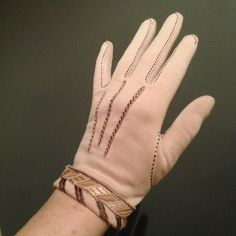 Vintage Gloves, 1930s Fashion, Powder Pink, Silk Thread, Fur Collars, 1930s Style, Etsy Shop, Button, 30s Fashion