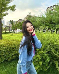 Fotoğraf - Google Fotoğraflar Red Velvet Joy, South Korean Girls, Korean Girl Groups, Park Sooyoung, Joy Instagram, Korean Singer, Kang Seulgi, Kim Yerim, Kpop Girls