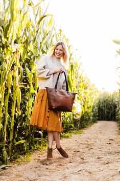 """""""Life is better when you're laughing."""" cornfield - fall photoshoot - fall fashion - fall style - october - thanksgiving - holiday looks - leather - leather tote Fashion Fall, Boho Fashion, Fashion Beauty, Fashion Outfits, Paris Outfits, Fall Outfits, Cute Outfits, Holiday Looks, Thanksgiving Holiday"""