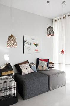 Lucky Boy Sunday pillows +nice siting corner ( I don't think that's a beds isn't ? )