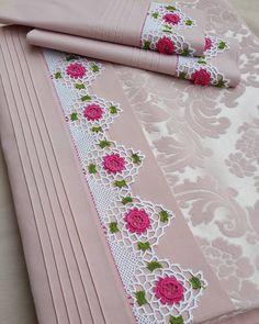 89 likes 5 comments Crochet Lace Edging, Crochet Borders, Crochet Flower Patterns, Crochet Round, Filet Crochet, Crochet Designs, Crochet Flowers, Crochet Baby, Sewing Patterns
