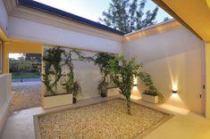 Clariá & Clariá Arquitectos - Casa 10 - Portal de Arquitectos Next At Home, My Dream Home, Garage Doors, Windows, Outdoor Decor, Design, Home Decor, Ideas, Landscaping