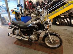 Yamaha YBR 125 125 Custom 2009, 9704 miles, £1499 - Black, 4 owners, GOOD CONDITION, THIS IS THE CUSTOM MODEL WHICH IS A REALLY POPULAR 125 LEARNER LEGAL.