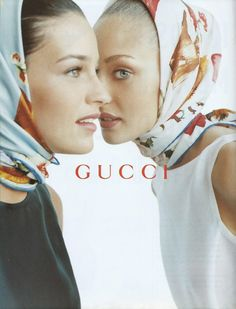Gucci - Gucci Spring - Ideas of Gucci Spring. - Shiraz Tal and Chrystèle Saint Louis Augustin by Mario Testino for Gucci 1995 S/S Spring Summer. Gucci Ad, Buy Gucci, Gucci Campaign, Campaign Fashion, Foto Fashion, Diva Fashion, Gucci Spring, Mario Testino, How To Wear Scarves