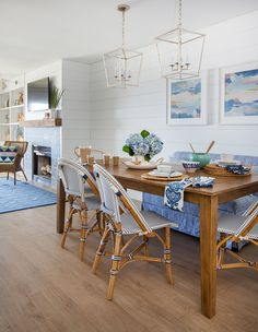 coastal dining area | Lauren Leonard Interiors