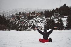 IDEAS PARA HACER FOTOS ORIGINALES EN TUS VACACIONES DE INVIERNO   Mary Wears Boots Travel Style, Snow, Instagram, Outdoor, Ideas, Winter Travel, Winter Holidays, Funny Photos, Outdoors