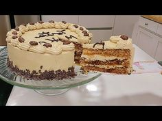 TORTA CREMA MOKA NUEZ / NUT COFFEE CAKE /Silvana Cocina - YouTube Mexican Food Recipes, Dessert Recipes, Ethnic Recipes, Desserts, Cap Cake, Coffee Cake, Cheesecakes, Mocha, Tiramisu