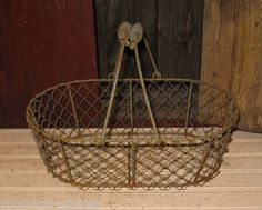 Metal & Chicken Wire Egg/Fruit/Plant/Flower Gathering BASKET*Primitive Decor
