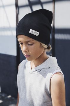 Ossy hooded sweater + Luke beanie