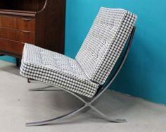 poltrona Barcelona Chair anni 50 vintage ristoffata