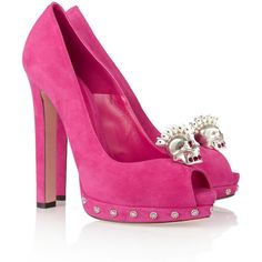 Alexander McQueen Skull-embellished suede pumps ($638) ❤ liked on Polyvore featuring shoes, pumps, heels, sapatos, pink, alexander mcqueen, pink pumps, pink peep toe pumps, peep toe shoes and suede pumps