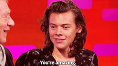 """Notice how right away out of nowhwere he says """"You're amazing"""" . that is the cutest thing. Can he plz say that to me"""