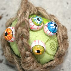Eyeball pin head tutorial....feed your monster well. - POTTERY, CERAMICS, POLYMER CLAY