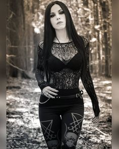 #gothigirl gothic girl #gothgirl goth girl #gothicwoman gothic woman Dark Beauty, Gothic Beauty, Steampunk, Gothic Models, Gothic Metal, Pose For The Camera, Female Portrait, Woman Portrait, Weekend Fun