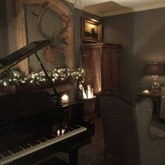 Perfect Idea Room Decoration Get it Know – Neat Fast - Gesunder Kuchen Music Aesthetic, Aesthetic Photo, Piano, The Secret History, Architecture, My Dream Home, Different Aesthetics, Decoration, Beautiful Places