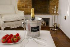 Apartamento en Valencia ideal para celebraciones románticas Valencia, Romantic Getaways, Country Cottages, Celebrations, Apartments