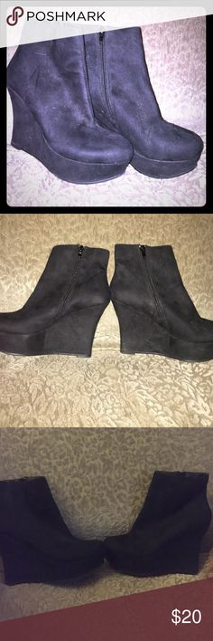 Nine West ankle booties Goes up to the ankle zippers on the side. Only wore a handful of times and is from Macy's. Brand:Nike west the color is black Macy's Shoes Ankle Boots & Booties