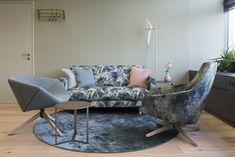 Interior green&blue branca good good interiors Best Interior, Blue Green, Lounge, Couch, Interiors, Furniture, Home Decor, Chair, Nice Asses