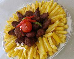Köfte Patates Tarifi | Güllerin Tarifleri Waffles, Pasta, Breakfast, Food, Instagram, Morning Coffee, Noodles, Meals, Waffle