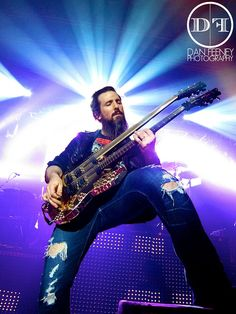 Bumblefoot. One of my favorite artists.