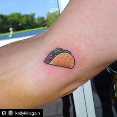 A taco on my left palm a burger on my right #dreams