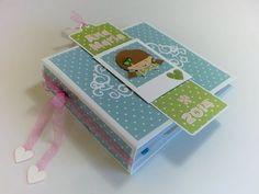 Mini Album para fotos com caixa e cartão, tudo a combinar. Foi feito com papéis de scrapbooking muito românticos e florais - Garden Party da Dovecraft Mais i...