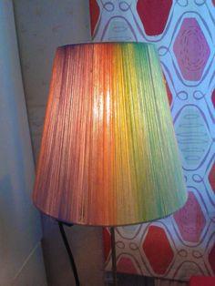 Lampskärm av garn. Lampshade out of yarn
