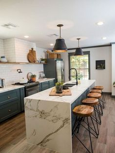Home Renovation Modern 33 Awesome Chic Fixer Upper Rustic Kitchen For Kitchen Renovation Ideas Industrial Kitchen Design, Rustic Kitchen Cabinets, Luxury Kitchen Design, Kitchen Cabinet Design, Kitchen Layout, Interior Design Kitchen, Kitchen Designs, Kitchen Rustic, Kitchen Modern