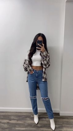 Baddie Outfits Casual, Cute Comfy Outfits, Stylish Outfits, Basic Outfits, Cute Outfits For Winter, Popular Outfits, Cute Flannel Outfits, Cute Simple Outfits, Crop Top Outfits