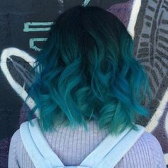 Teal Hair Color with Shadow Roots - Ombre Hair Dark Teal Hair, Teal Ombre Hair, Teal Hair Color, Hair Dye Colors, Short Teal Hair, Short Colorful Hair, Mint Green Hair, Ombre Brown, Black Hair