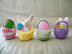 Slightly Less Itty Bitty Mini Easter Egg Baskets / Egg Cosy / Gift Money Holder / Easter Egg Tree Ornament / Egg Holder